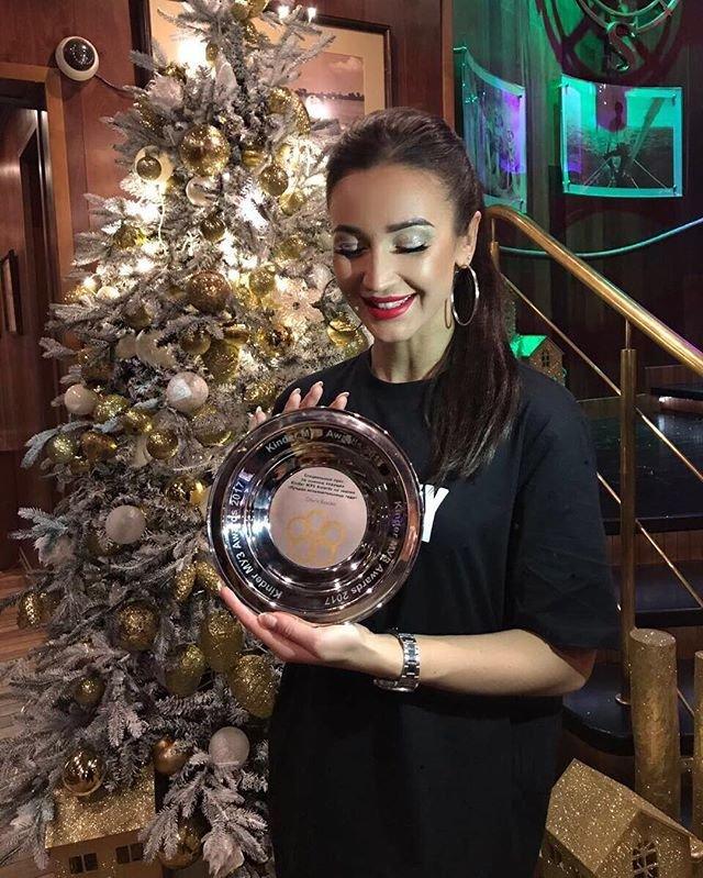 Ольга Бузова получила премию «Kinder МУЗ Awards»