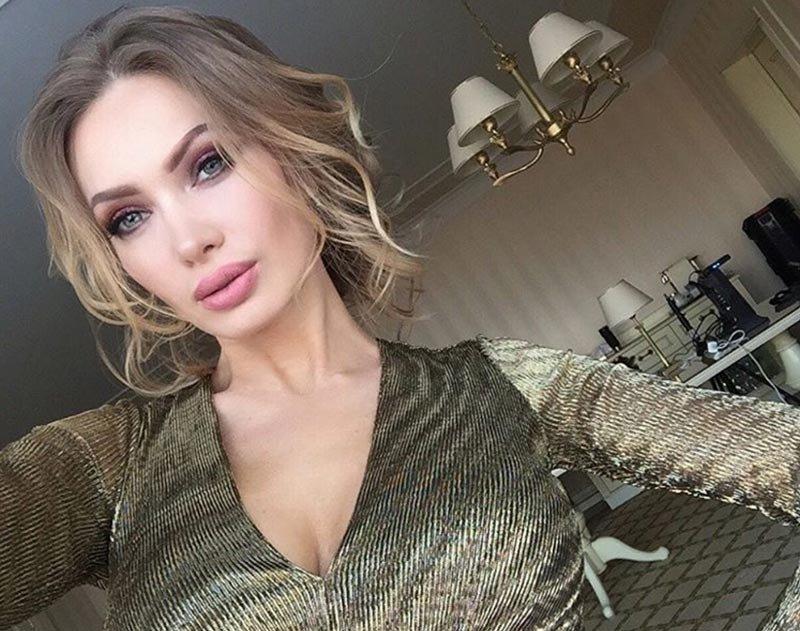 Евгения Феофилактова приняла предложение поклонника жить вместе