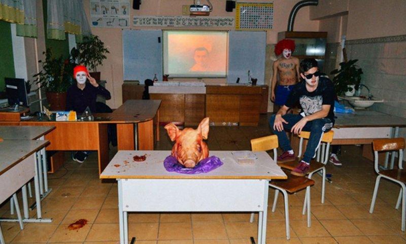 Подростки в Калининграде провели посвящение в лицеисты с использованием пентаграммы и свиной головы