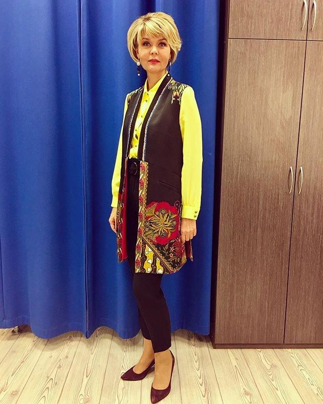 Юлия Меньшова показала, что не попало в кадр последнего выпуска «Сегодня вечером»