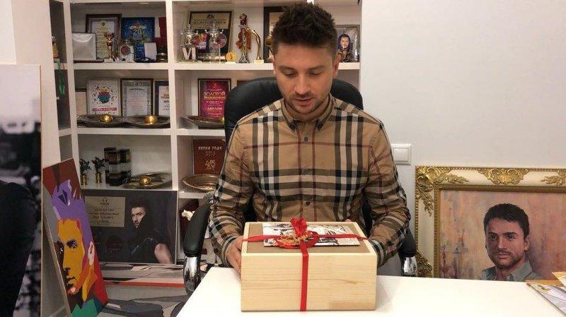 Сергей Лазарев устроил новогодний праздник в «Пудель-Штрудель»