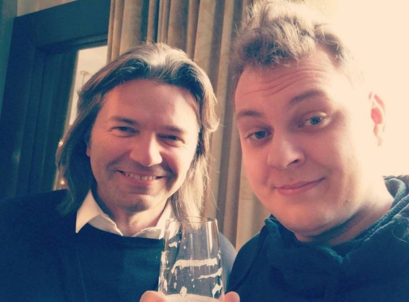 Дмитрий Маликов и Юрий Хованский выпустили кавер на «Розовое вино»