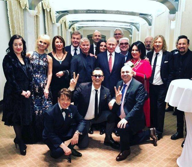 Селебрити на приёме в Кремле - Фото №8