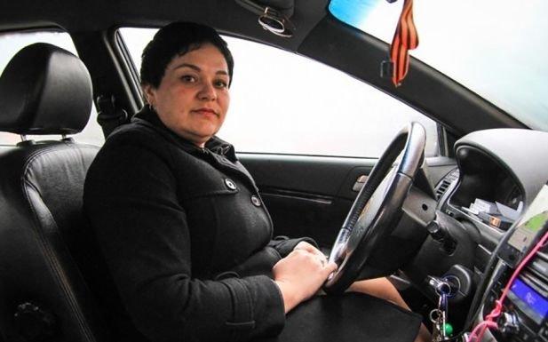Ростовская таксистка вернула пассажирам забытые 4 миллиона рублей