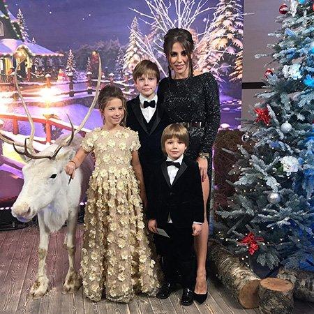 Как отметили Новый год отечественные знаменитости - Фото №11