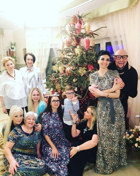 Как отечественные знаменитости отметили Рождество - Фото №5