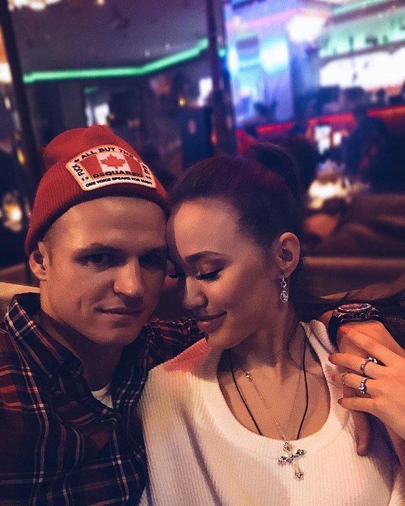 Дмитрий Тарасов и Анастасия Костенко официально стали супругами