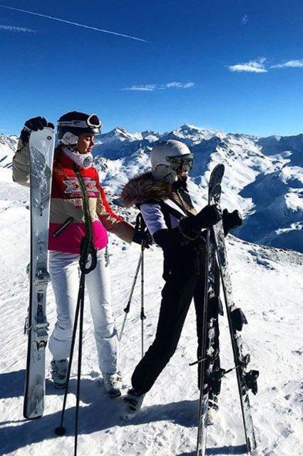 Селебрити, предпочитающие активный отдых на зимних каникулах - Фото №2