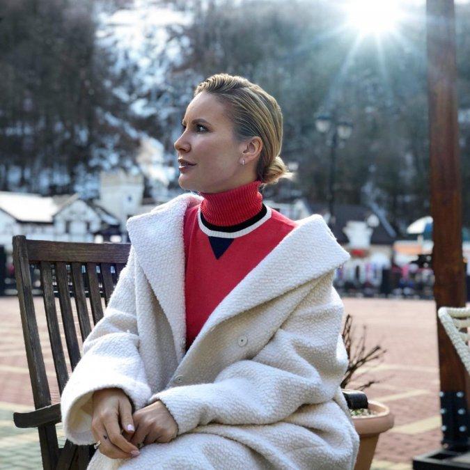 Елена Летучая проводит отпуск в Сочи с супругом и его детьми - Фото №1