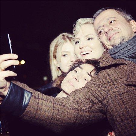 Рената Литвинова провела день рождения с близкими людьми - Фото №2