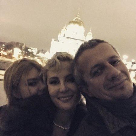 Рената Литвинова провела день рождения с близкими людьми - Фото №3