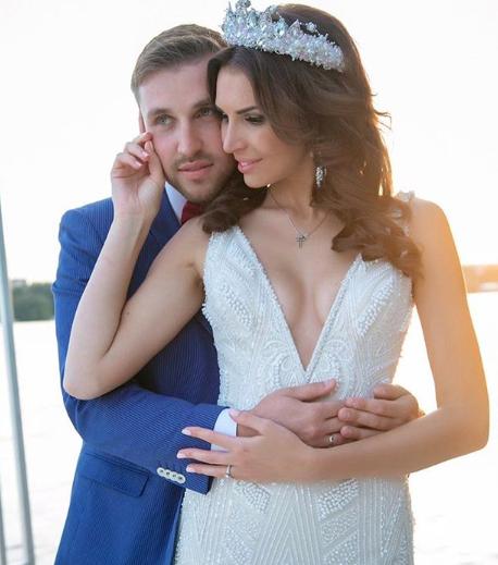 Элла Суханова и Игорь Трегубенко официально разводятся