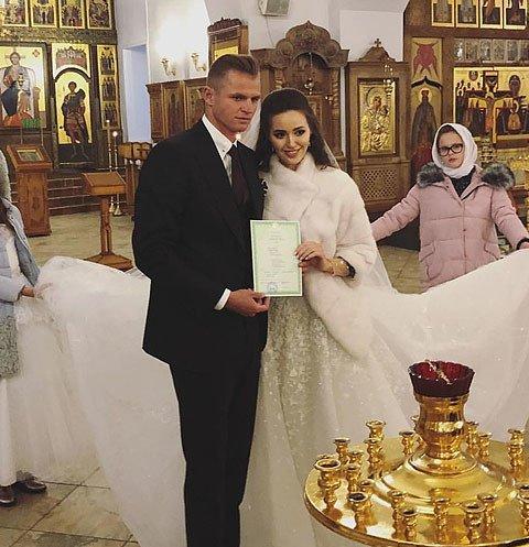 Дмитрий Тарасов и Анастасия Костенко сыграли свадьбу