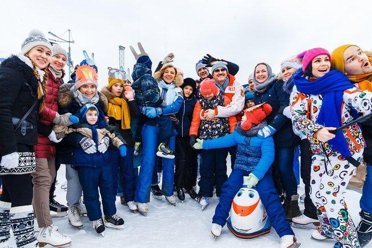 Константин Хабенский устроил маскарад на льду