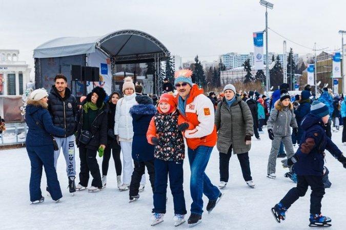 Константин Хабенский устроил маскарад на льду - Фото №3