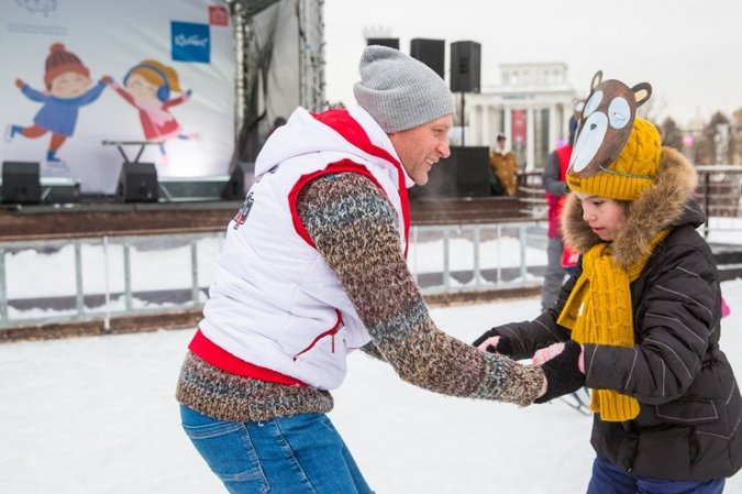 Константин Хабенский устроил маскарад на льду - Фото №9