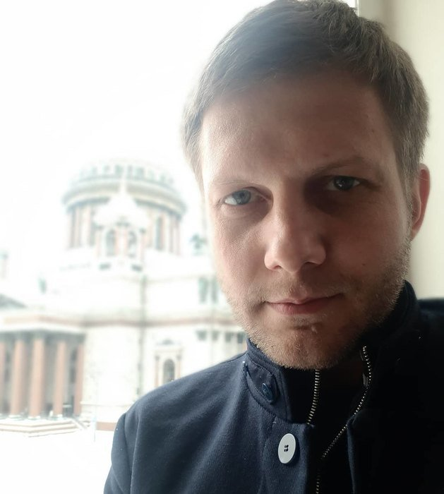 Борис Корчевников накинулся с кулаками на сотрудника православного канала