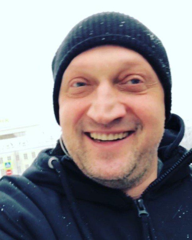 Гоша Куценко смешно поздравил Андрея Князева