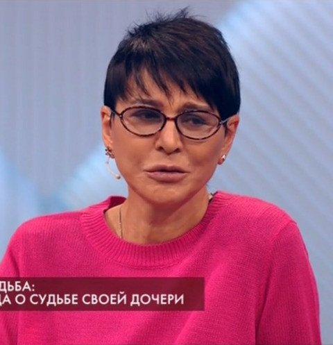 Ирина Хакамада разоткровенничалась об онкологии у особенной дочери