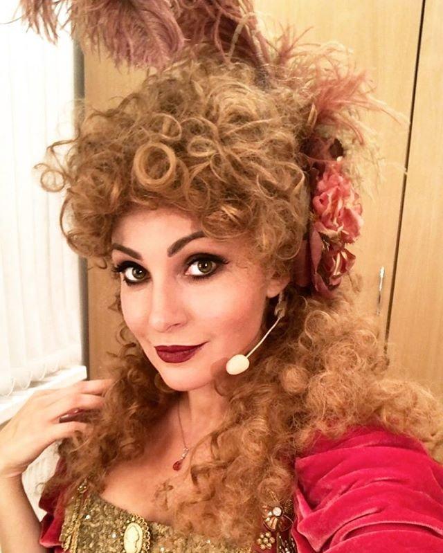 Анастасия Макеева устроила танцы в гримерке