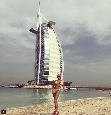 Анастасия Волочкова отдыхает в Арабских Эмиратах - Фото №3