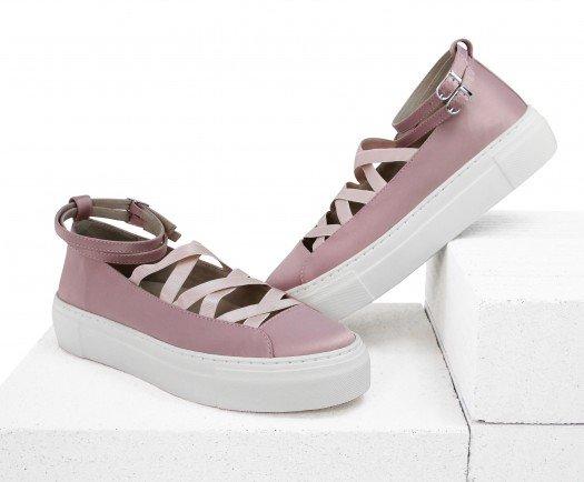 Обувь, которая должна быть у каждой модницы