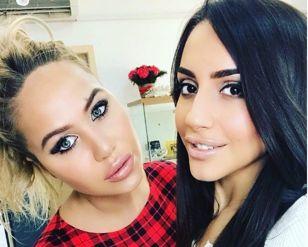 Маша Кохно приглашает к себе моделей на макияж