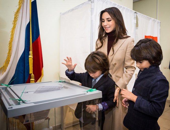 Выборы президента: как селебрити выполнили гражданский долг - Фото №5