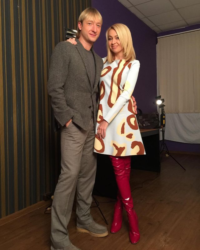 Яна Рудковская сплясала лезгинку на коньках