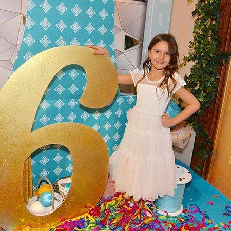 Звезды отметили день рождения дочери Кристины Орбакайте - Фото №1