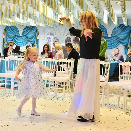Звезды отметили день рождения дочери Кристины Орбакайте - Фото №2