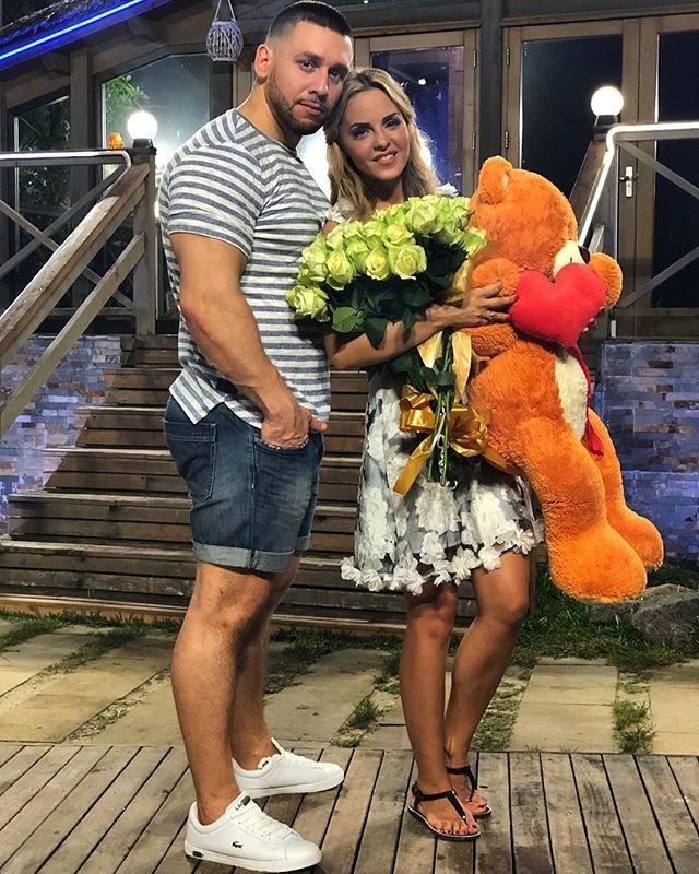 Счастливая  Юлия Ефременкова готовится к свадьбе