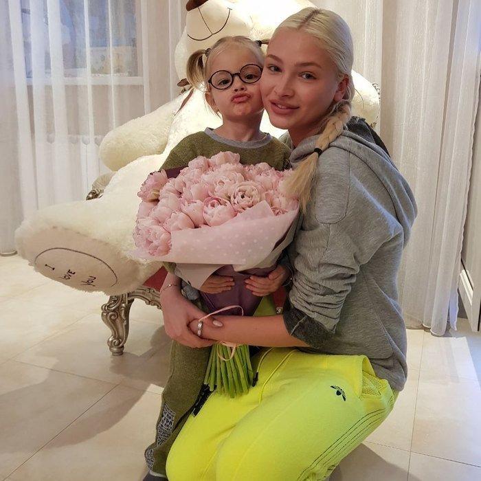 Мама Тимати показала Алёну Шишкову без макияжа и фильтров