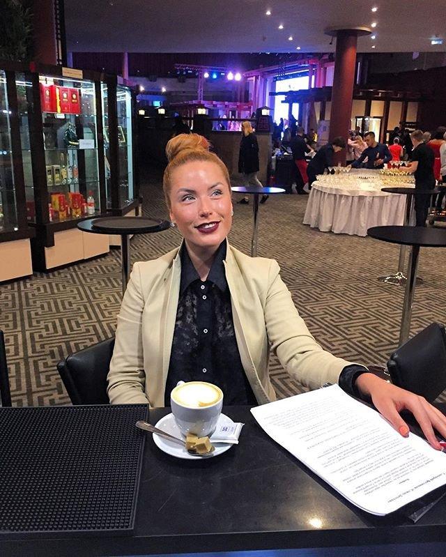Оксана Ряска похвасталась новым романом