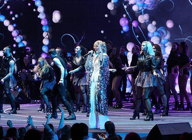 Валерия отпраздновала пятидесятилетие на сцене - Фото №9