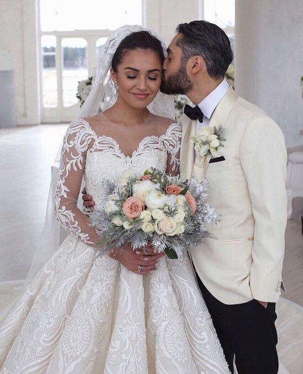Мот показал несколько звёздных свадеб в новом клипе