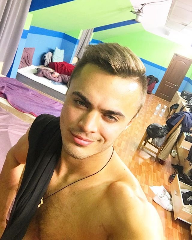 Алексея Купина заподозрили в симпатии к другой девушке