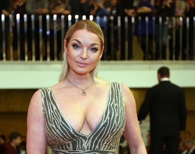 Анастасия Волочкова позабавила фоловеров странными танцами