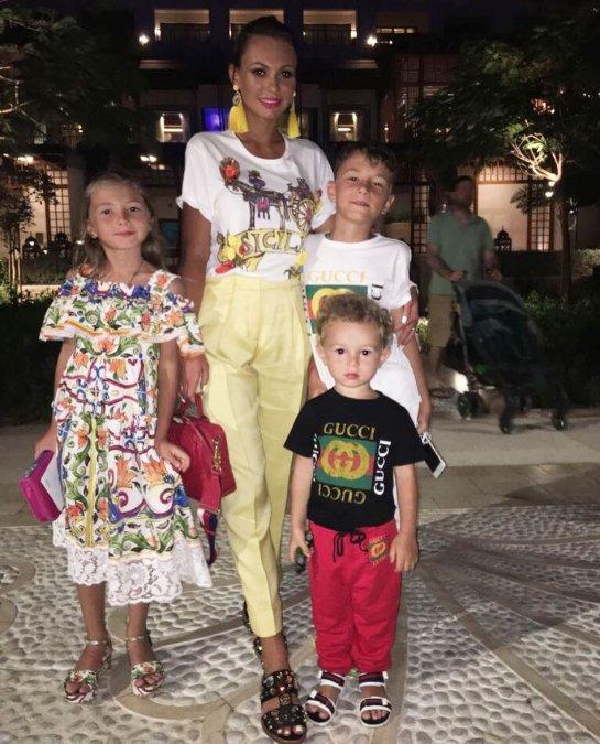 Дочь Ксении Бородиной вышла на подиум в Дубае - Фото №4