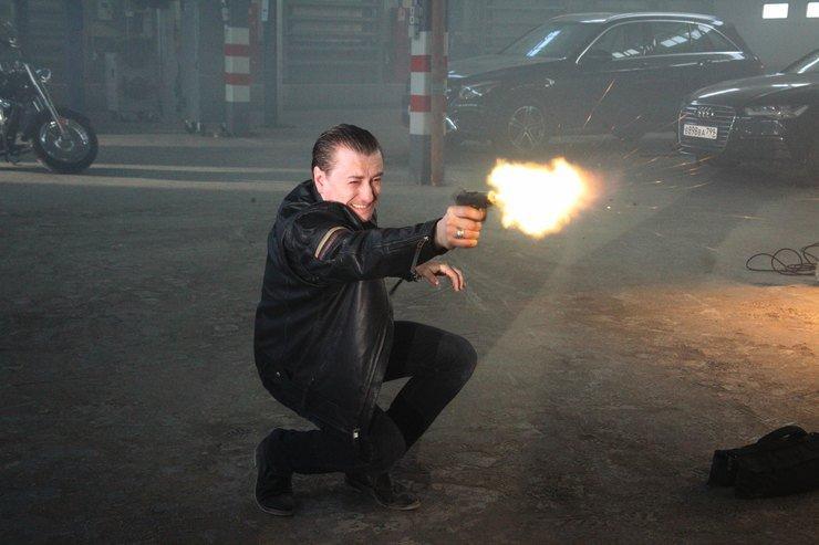 Сергей Безруков вернулся к образу Саши Белого в музыкальном клипе