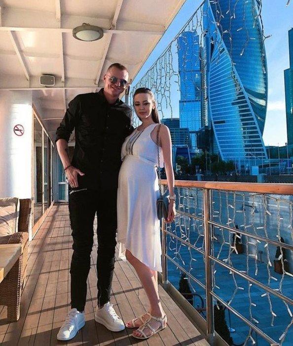 Дмитрий Тарасов остался без работы в преддверии рождения дочери