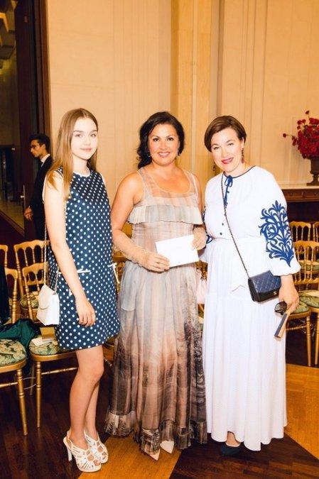 Рудковская и Водянова поддержали Ульяну Сергеенко на показе в Париже - Фото №7