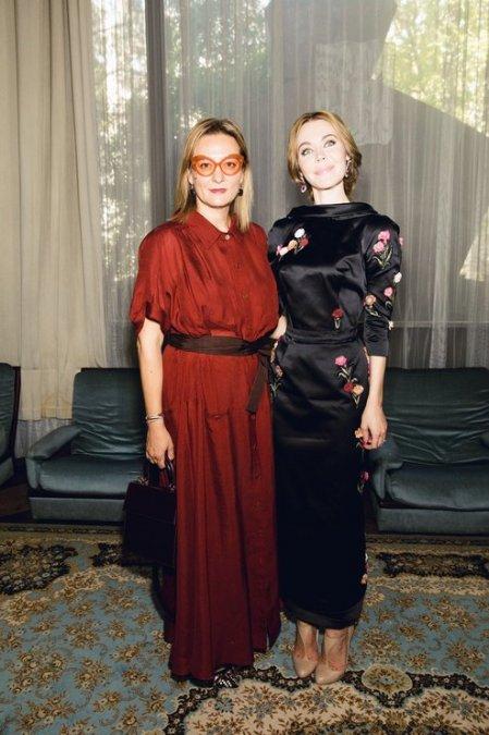 Рудковская и Водянова поддержали Ульяну Сергеенко на показе в Париже - Фото №10