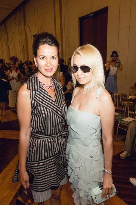 Рудковская и Водянова поддержали Ульяну Сергеенко на показе в Париже - Фото №9