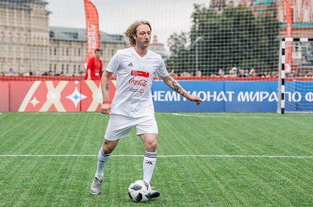 Водянова, Рудковская и другие на благотворительном футбольном матче