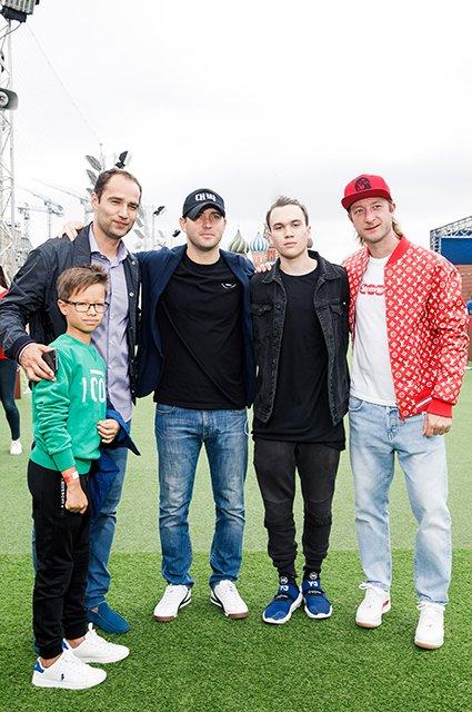 Водянова, Рудковская и другие на благотворительном футбольном матче - Фото №2