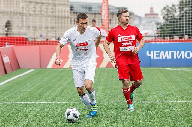 Водянова, Рудковская и другие на благотворительном футбольном матче - Фото №11