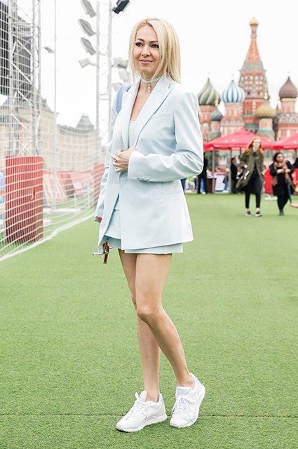 Водянова, Рудковская и другие на благотворительном футбольном матче - Фото №3
