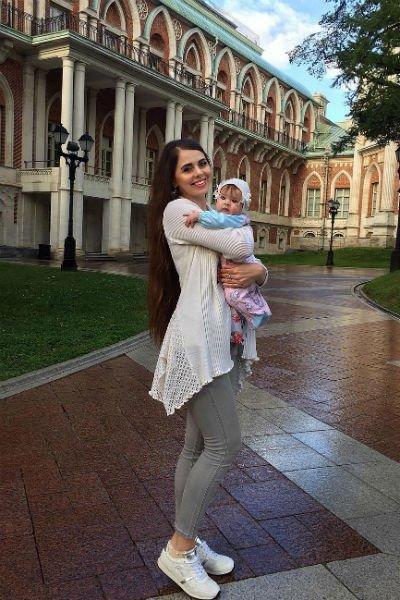 Ольга Рапунцель показала дочь