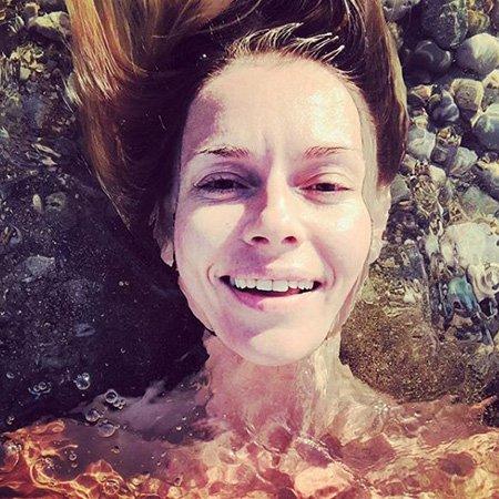 Звёзды в отпуске: Гагарина, Толкалина, Темникова и другие хвастаются фигурами в купальнике - Фото №4